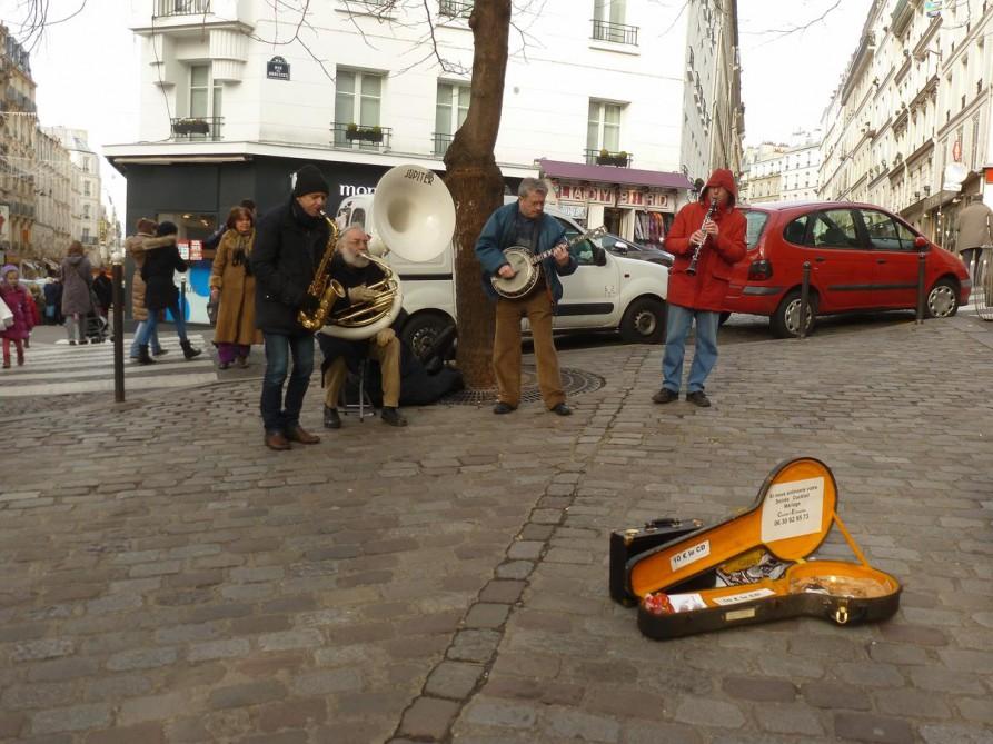 Straßenmusiker in Montmartre, Paris
