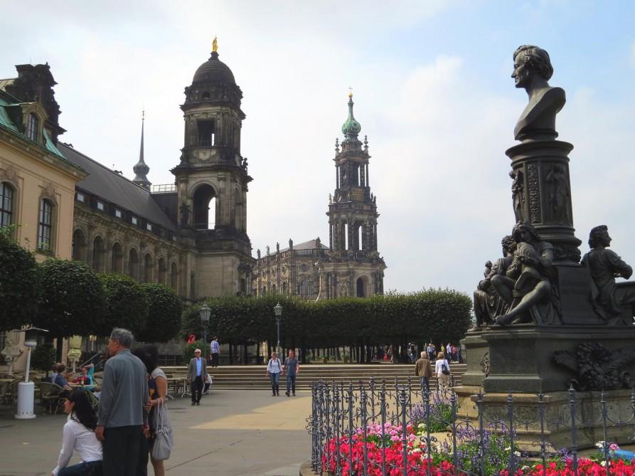 Residenzschloss und Katholische Hofkirche