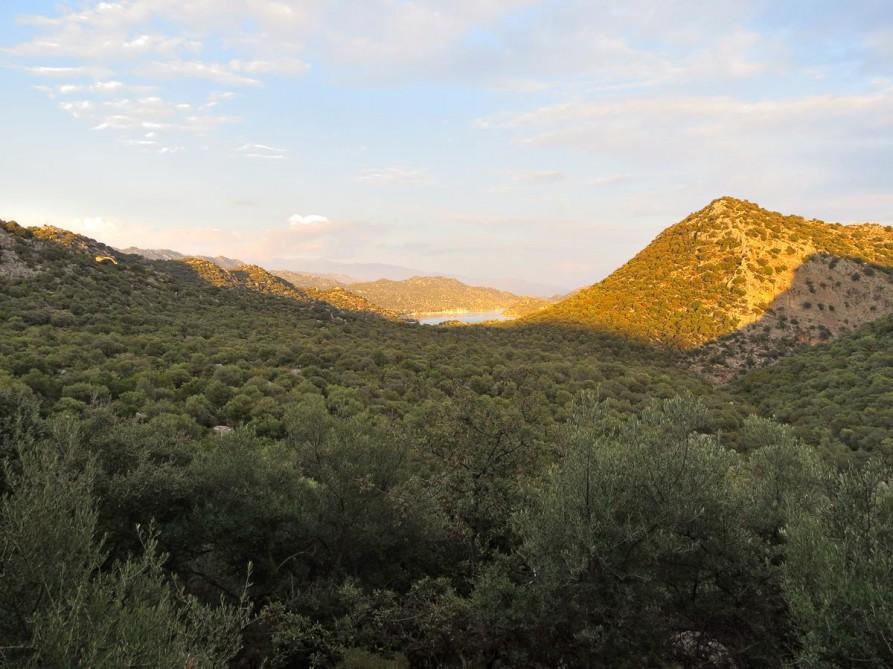 das Dorf Üçagiz in der Ferne, der Lykische Weg, Türkei