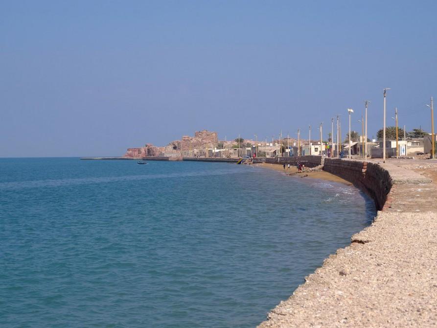 Uferpromenade in Hormus