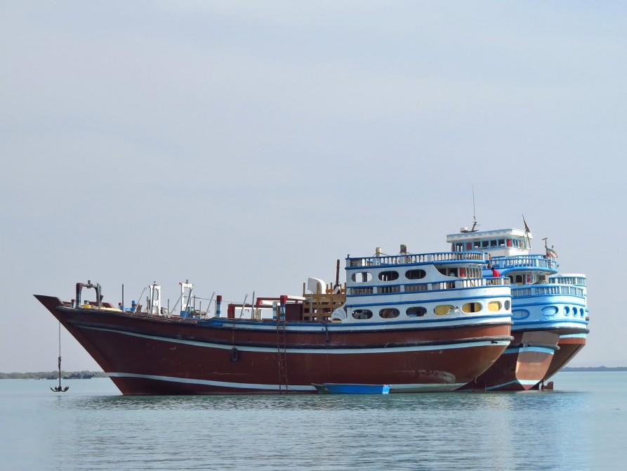 traditionelle Handelsschiffe im Persischen Golf