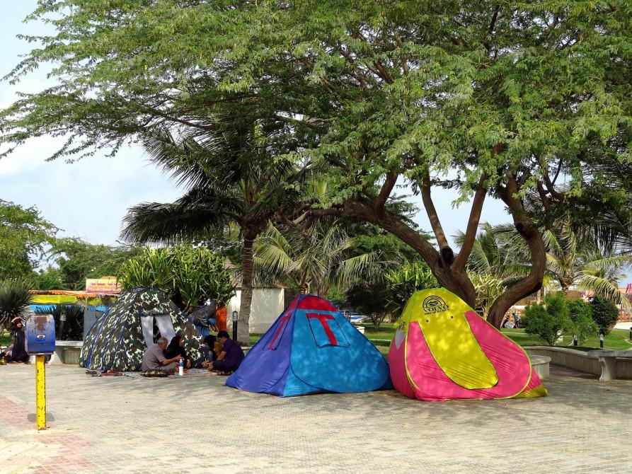 Zelten am Strand von Qeshm Town