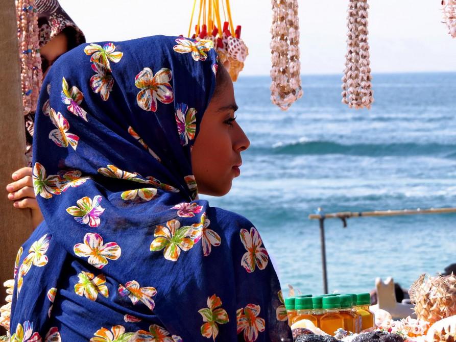 traditionelle Kleidung der Bandari