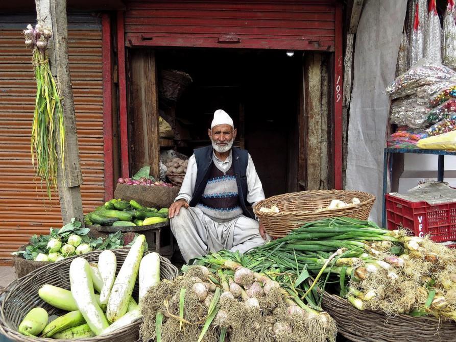 Gemüsehändler in Srinagar, Kashmir