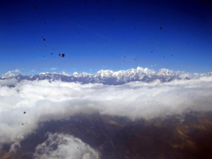 Himalaja aus der Propellermaschine