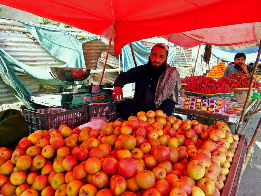 Obstverkäufer in Karatschi, Pakistan