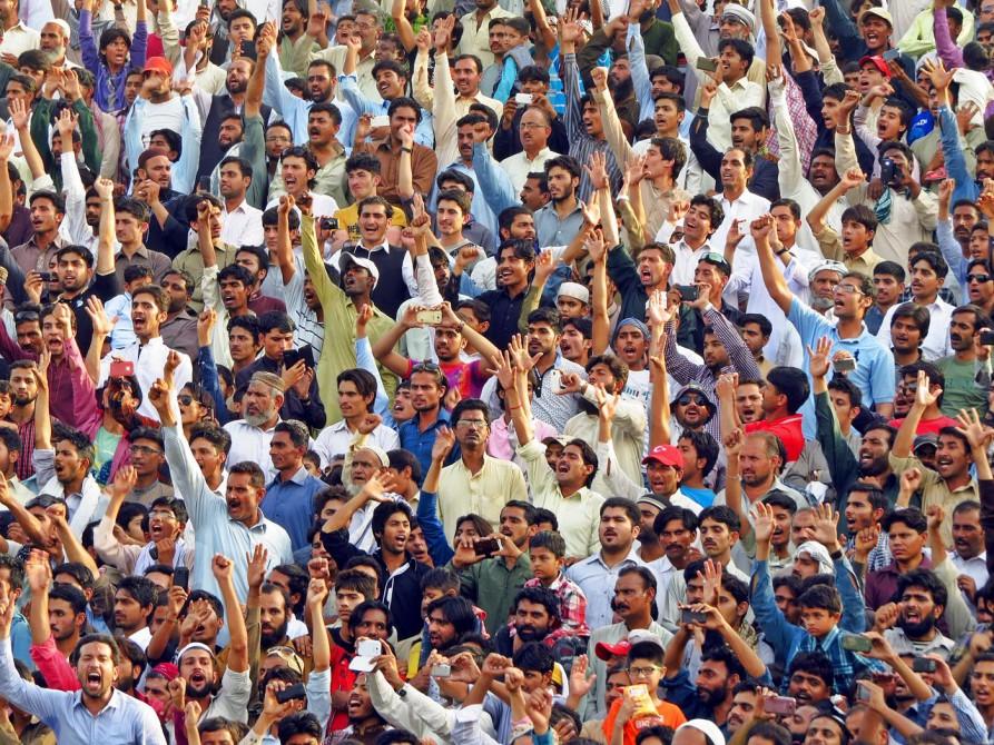 jubelnde Menschenmenge