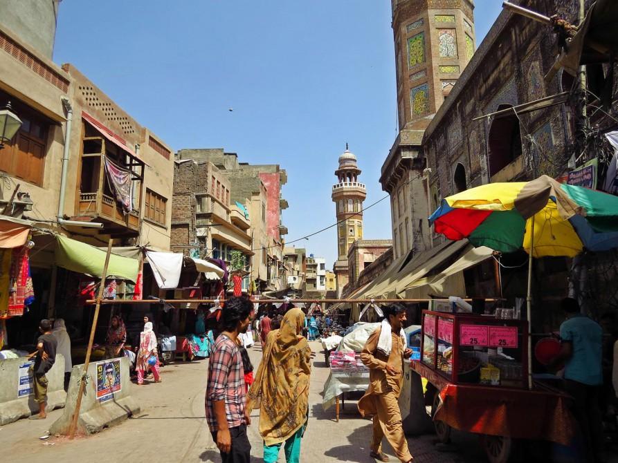 Lahores quirlige Altstadt mit vielen Straßenständen