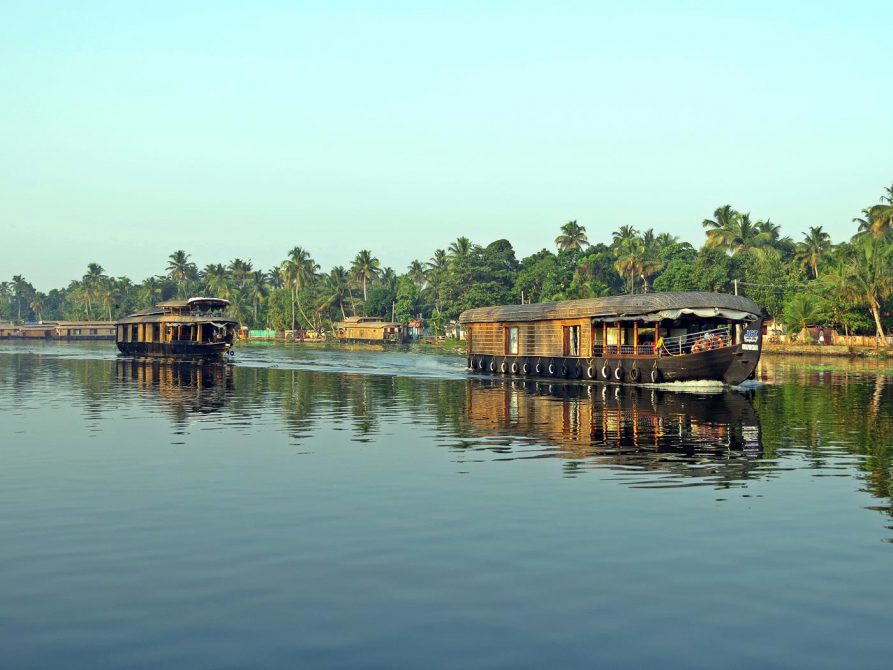 Hausboote in den Backwaters, Kerala