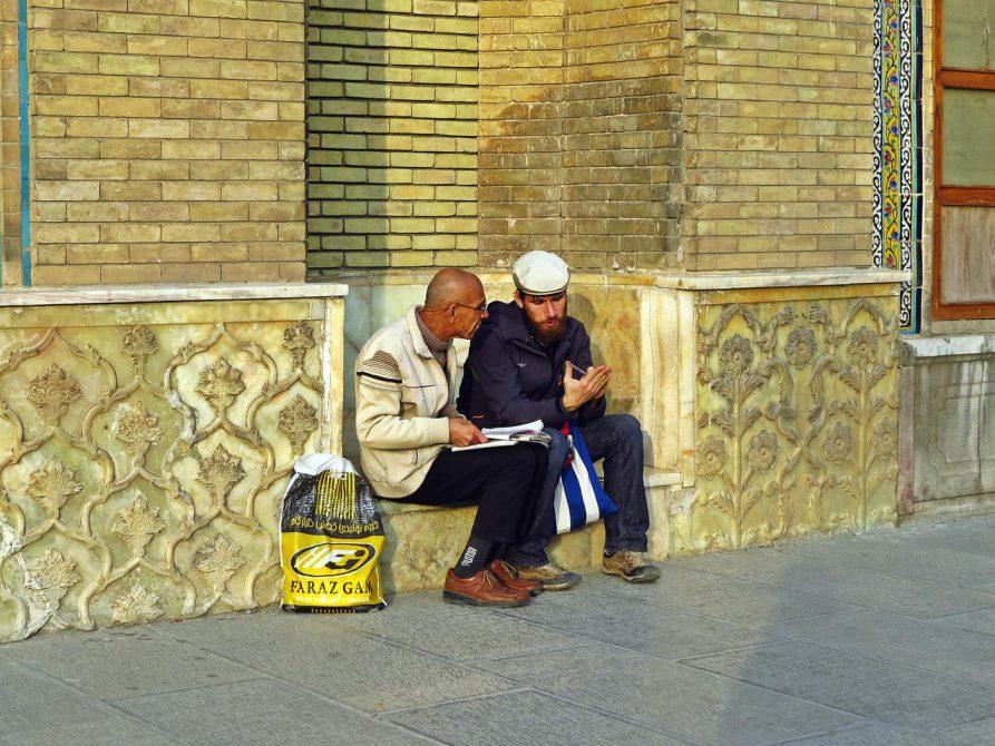 spontaner Sprachkurs am Golestan Palast