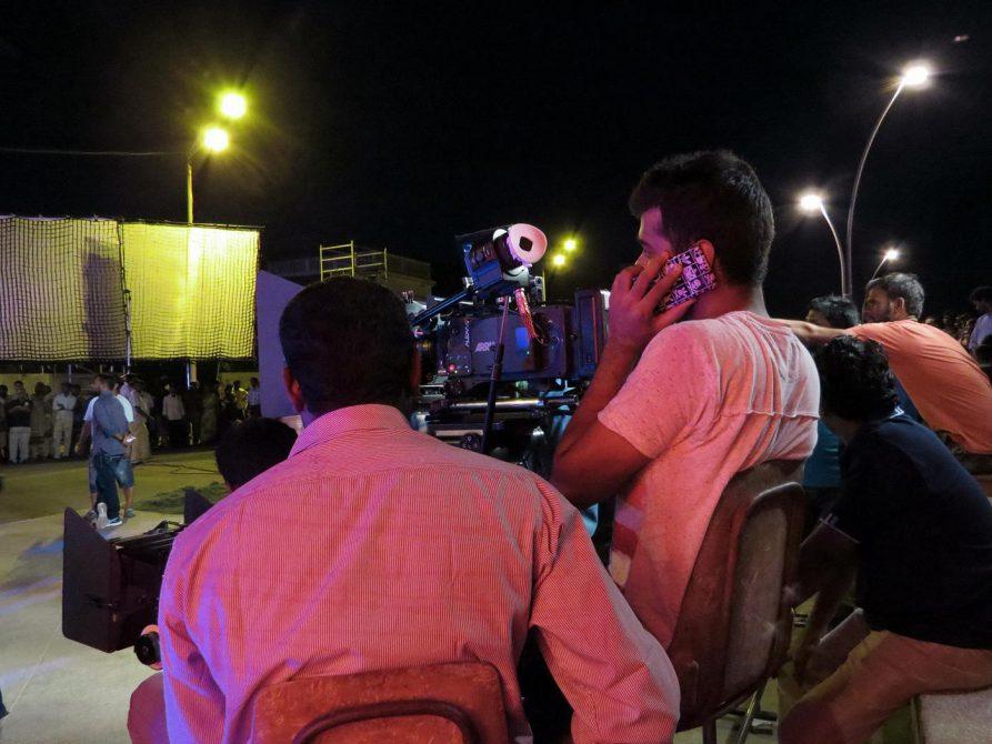 Kameramann und Assistent, Kollywood