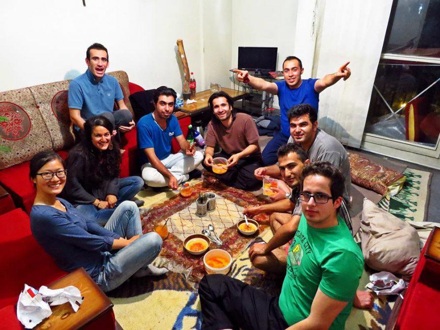 unsere Gastgeber in Schiras: Ashkan und seine Freunde