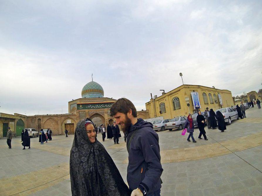 vor dem Hussein Schrein, Qazvin