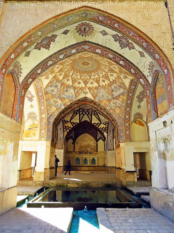Wand- und Deckendekorationen im Pavillion, Fin-Garten, Kashan, Iran