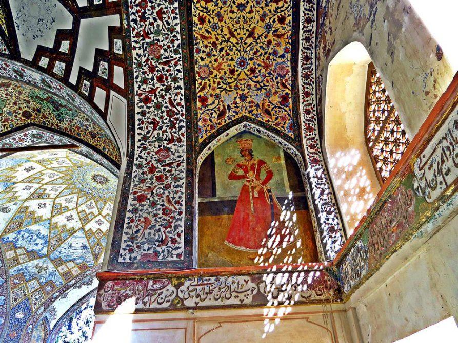 Wandmalerei und Lichtspiel im Pavillion, Fin-Garten, Kashan, Iran
