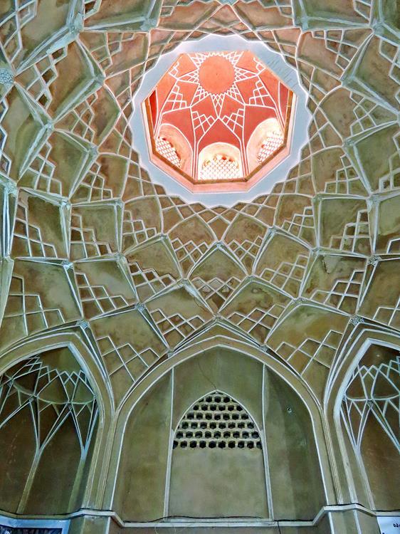 Kuppelverzierung im Inneren des Hauses von Boroujerdi