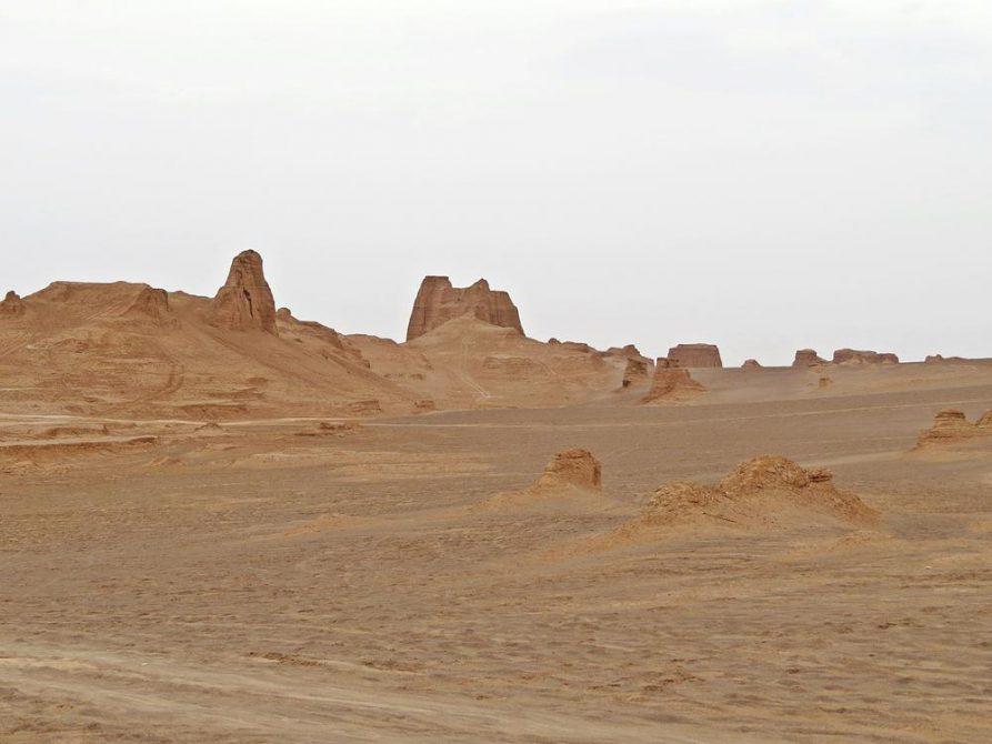 Kaluts Felsformationen, geschliffen in Jahrtausenden