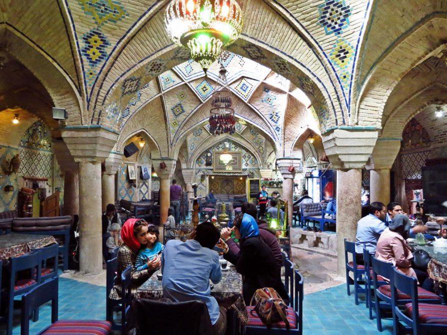 traditionelles Teehaus im Vakil Hamam