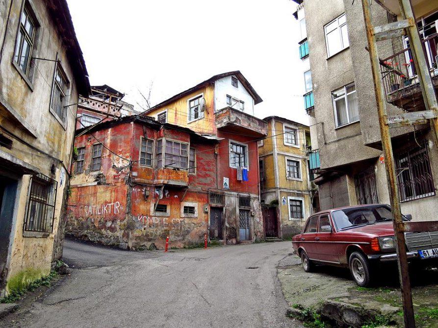 in den Gassen von Trabzon nahe des Hafens