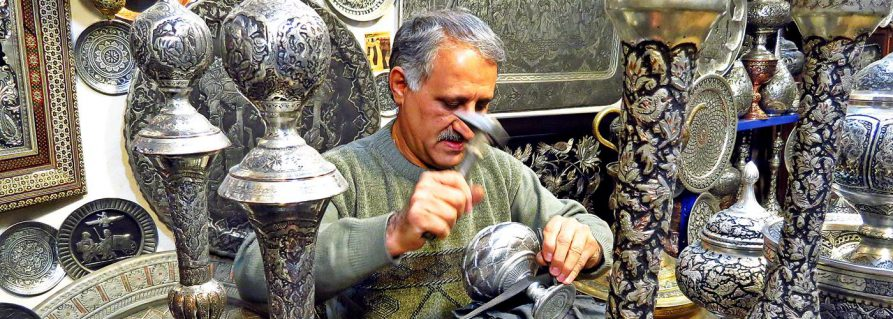 Kunsthandwerk in Isfahan und die Sache mit der Satire