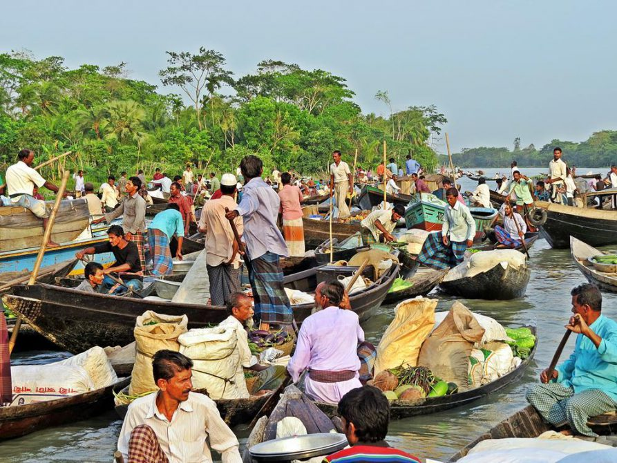 schwimmender Markt in Bangladesch