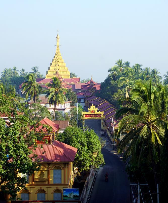 Blick auf die Mahamyatmuni Pagode, Mawlamyine, Myanmar