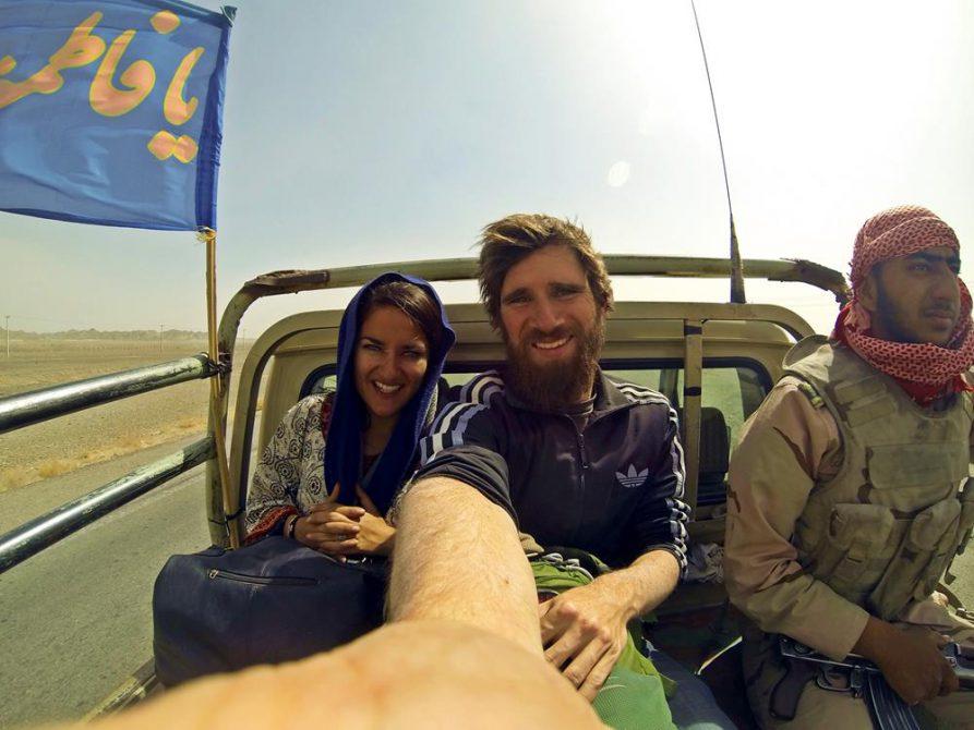 Begleitschutz in der Wüste, trampen, Iran