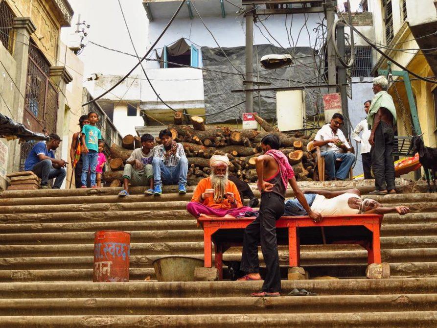 Sadhu am Manikarnika Ghat in Varanasi