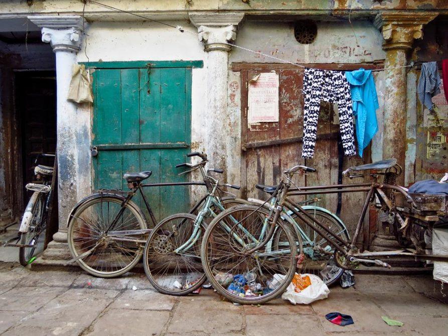 Fahrräder in Varanasi