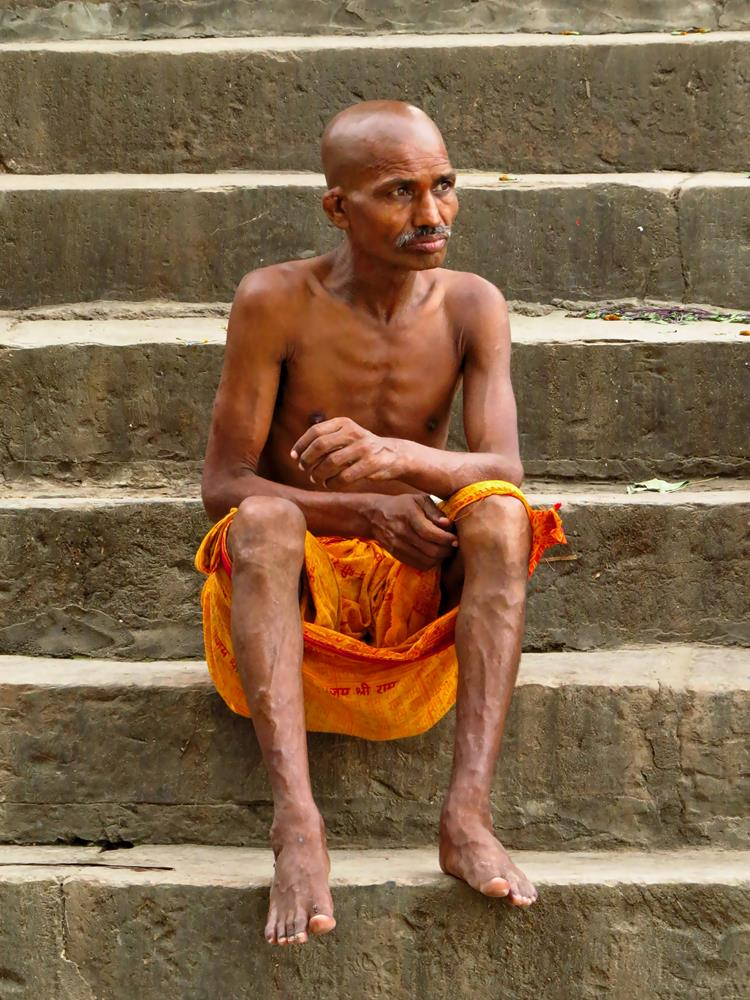 Sadhu am Ghat in Varanasi