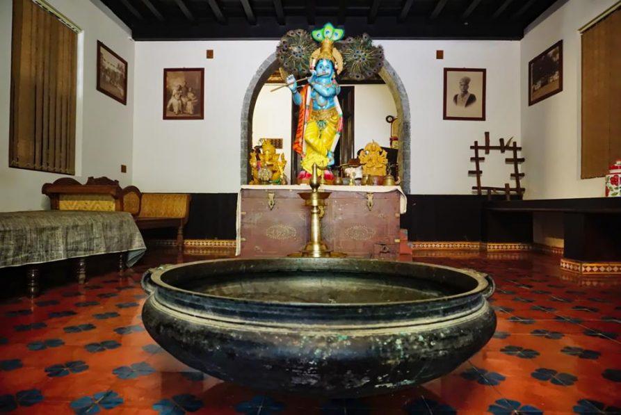 Krishnafigur in der Eingangshalle, Ayurveda Mana Resort, Kerala