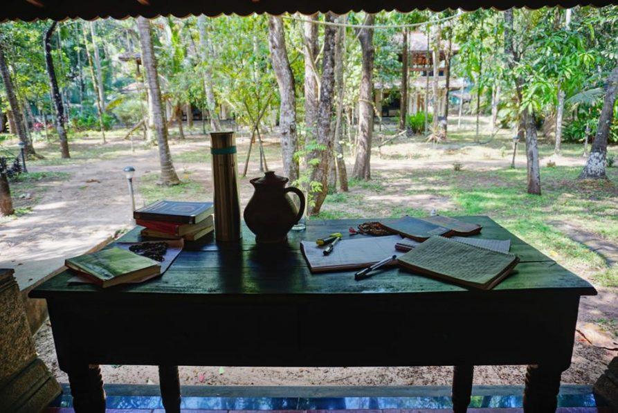 Schreibtisch im Ayurveda Mana Resort