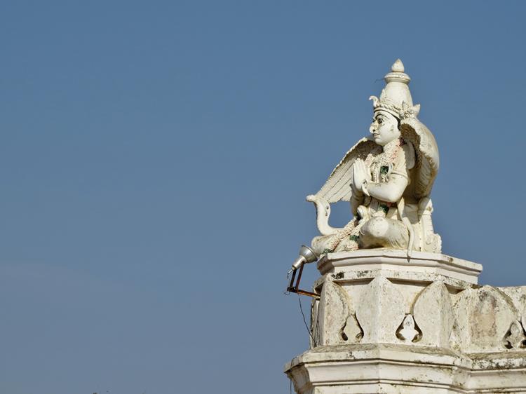 Garudafigur auf dem Tempel