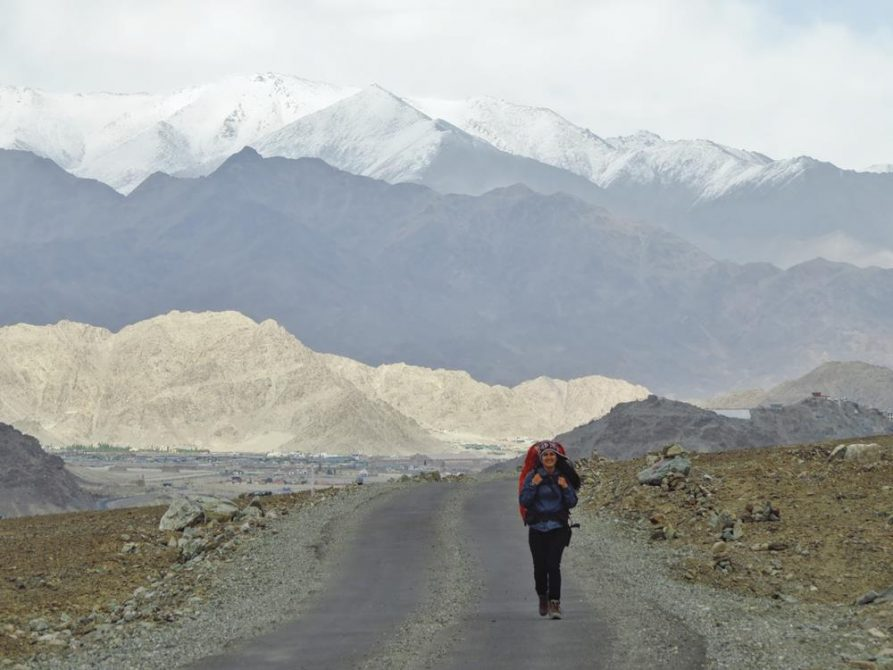 Wanderin in Ladakh, Indien