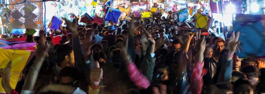 Auf dem Drachenmarkt in Ahmedabad