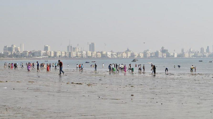 Skyline und Chowpatty Strand, Mumbai, Indien