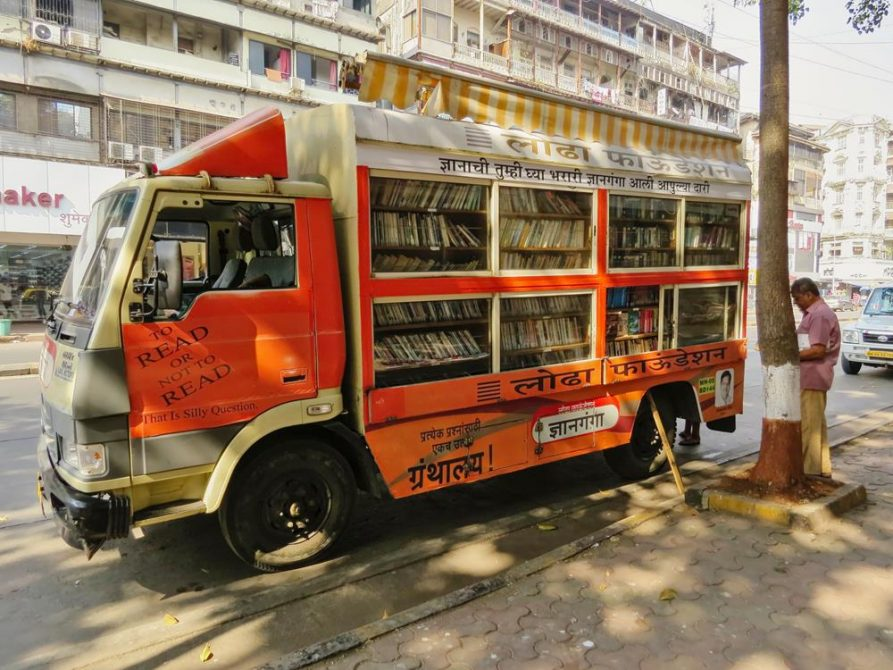 Büchermobil in Mumbai, Indien
