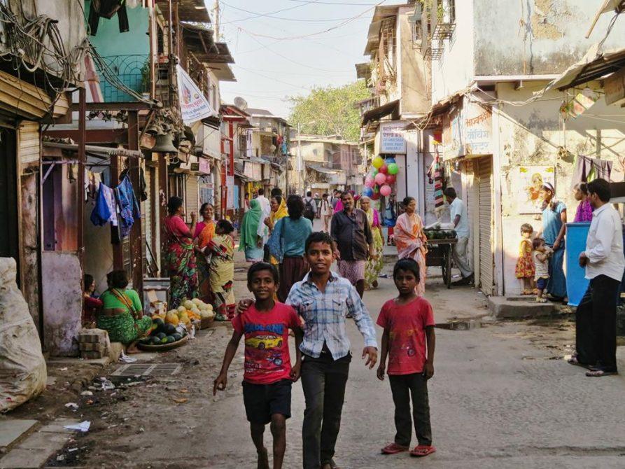 Menschen in Dharavi, Mumbai, Indien