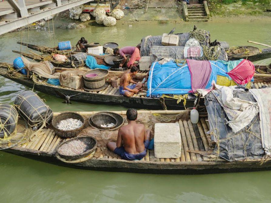 Fischer auf dem Hooghly, Kolkata, Indien