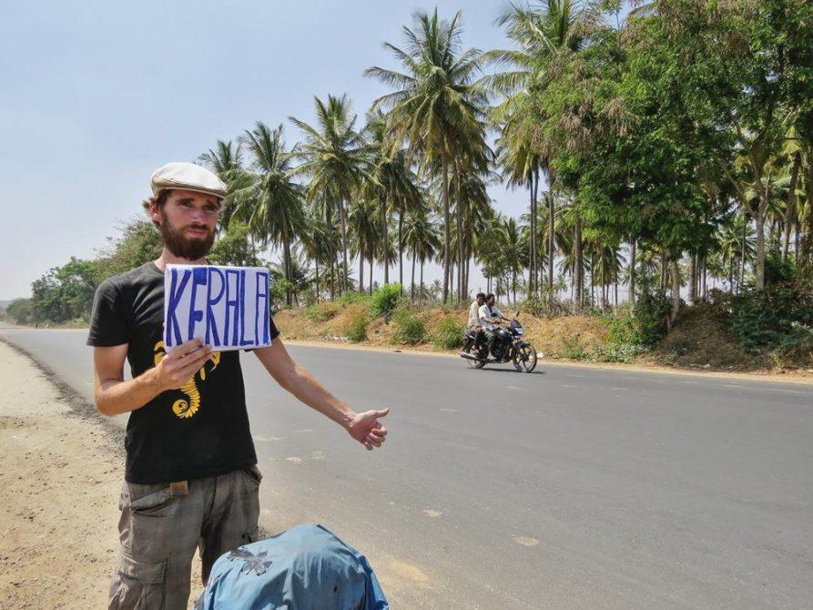 per Anhalter in Indien