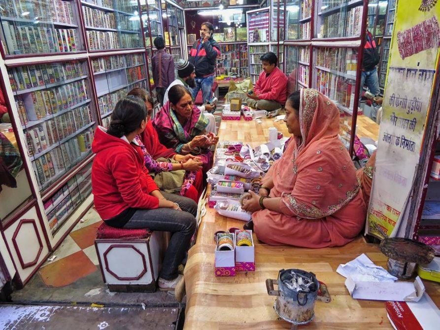 Schmuckhändler in Jaipur, Rajasthan, Indien