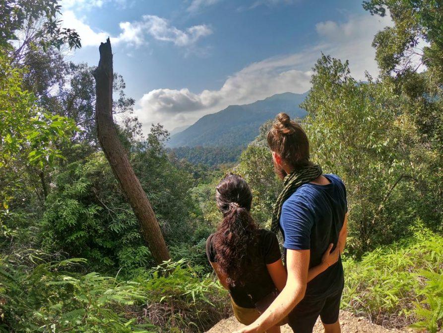 Paar auf Bukit Terisek, 1. Aussicht, Taman Negara, Malaysia