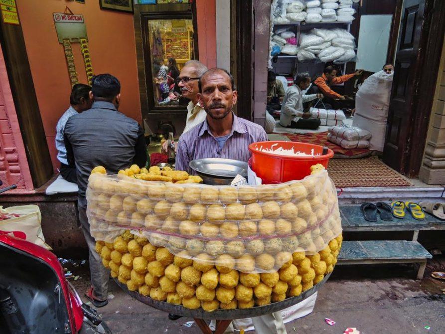Panipuriverkäufer in Old Delhi, Indien
