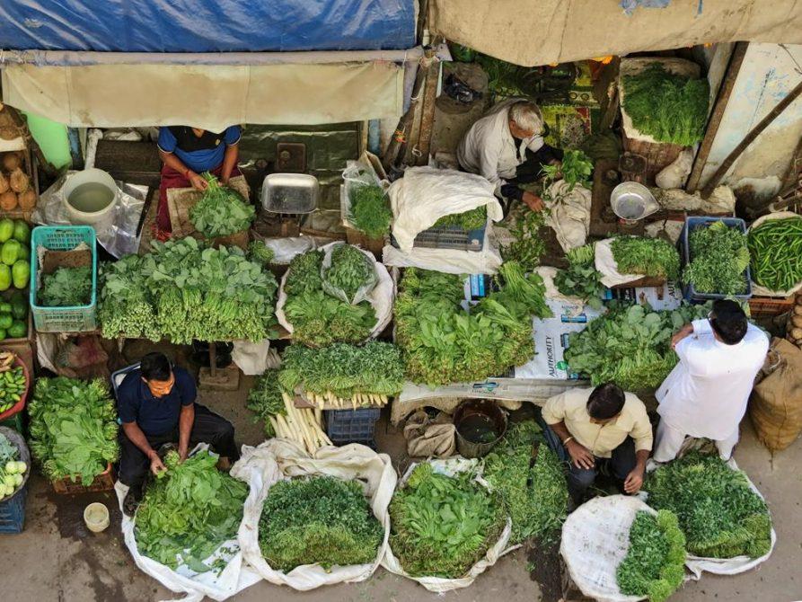 Gemüseverkauf in Delhi, Indien