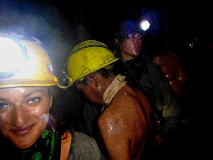 mit Bergarbeitern im engen Stollen, Cerro Rico