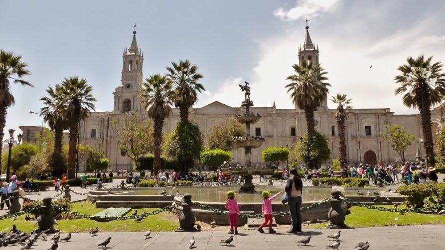 Plaza de Armas und Kathedrale von Arequipa, Peru