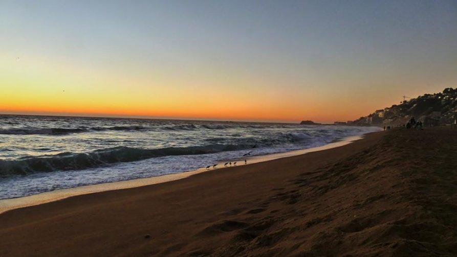 Abendstimmung am Strand von Viña del Mar, Chile