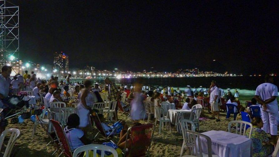 Silvester am Strand von Copacabana, Rio de Janeiro