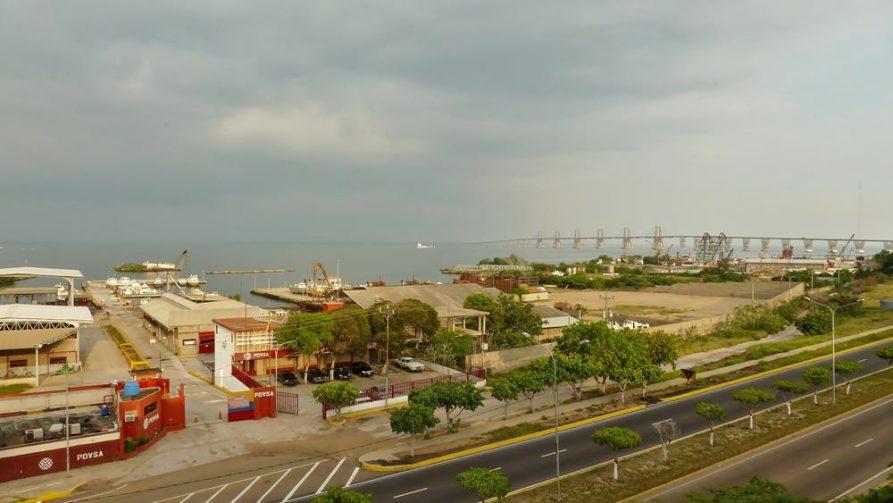 Maracaibo-See und Industrieanlagen