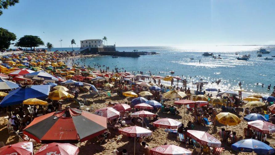 Praia do porto, Stadtstrand in Salvador, Atlantikküste